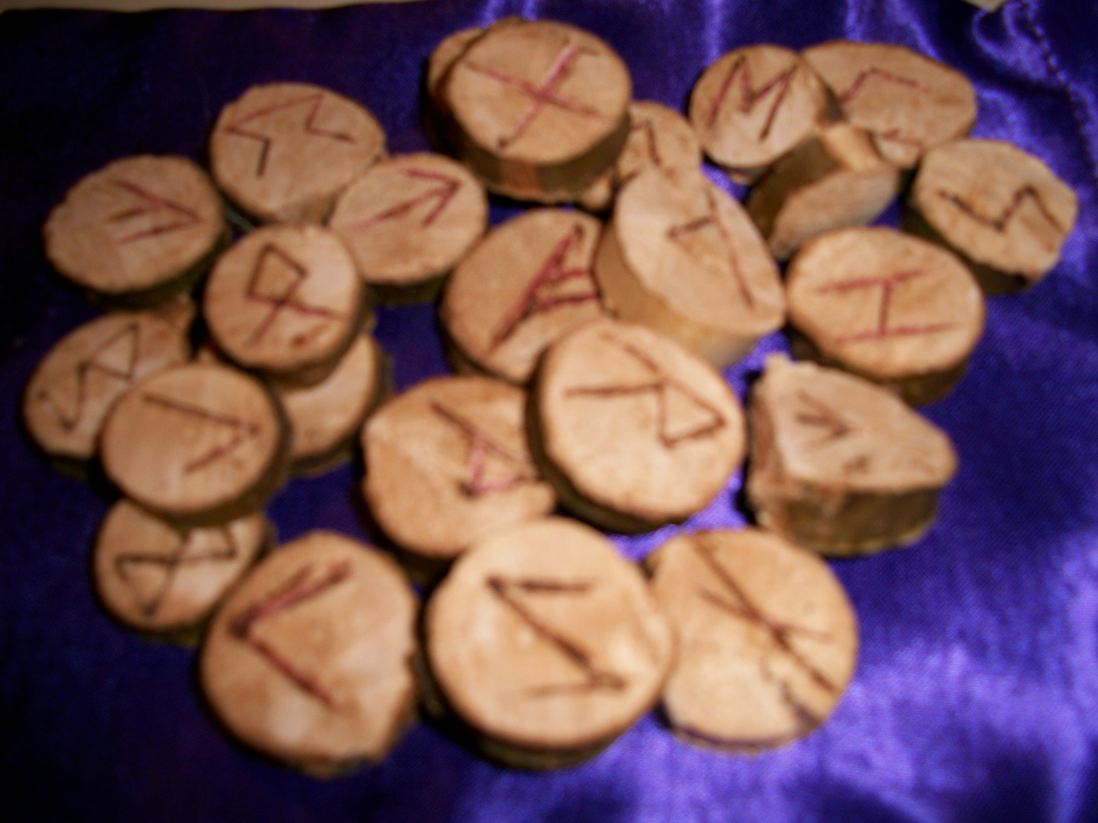 Clairvoyant Rune Reading
